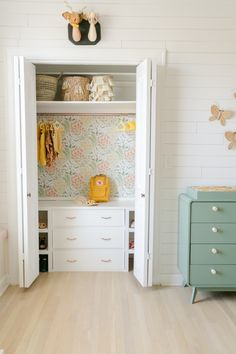 Tips for Reconfiguring a Closet A Beautiful Mess Big Girl Rooms Beautiful Closet Mess Reconfiguring tips Ideas Armario, Little Girl Rooms, My New Room, Room Inspiration, Home Remodeling, Bedroom Decor, Girl Bathroom Decor, Floral Bedroom, Bedroom Storage