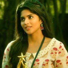 Megha Akash, Anupama Parameswaran, Girls Dp, Deepika Padukone, Indian Beauty, Beautiful Women, Faces, Actresses, Hot