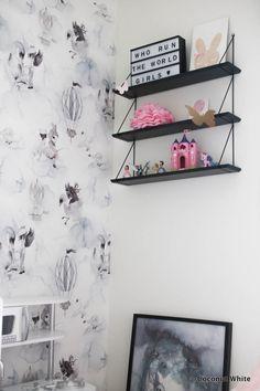 Musta hylly kotiutui tytölle, alekoodi sekä Frozen | Coconut White