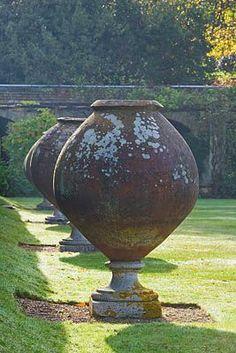 Hever Castle, Kent: Huge italian terracotta containers in the italian garden Garden Urns, Garden Planters, Planter Pots, Terracota, Formal Gardens, Outdoor Gardens, Container Plants, Container Gardening, Vases