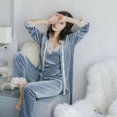 Satin Pyjama Set, Pajama Set, Satin Pajamas, Sexy Pyjamas, Pijamas Women, Mode Kimono, Womens Pyjama Sets, Outfit Trends, Sleepwear Women