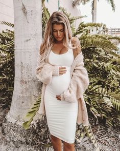"""b99f38f59 Kelsey Floyd on Instagram  """"Dresses are the only thing that fit me right  now  Regina George voice  🤰🏼 windsorstore http   liketk.it 2yYhu   liketoknow.it ..."""