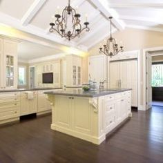 vaulted kitchen Love the high ceilings!!