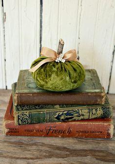 Velvet Pumpkin-Olive Green www.tablescapesbydesign.com https://www.facebook.com/pages/Tablescapes-By-Design/129811416695