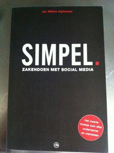 Jochem Otto @jochemotto    Net uit. Simpel, praktisch boek en naslagwerk over inzet social media. Aanrader voor #mkb -ers. Van @jwalphenaar