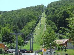 Discover Budapest Chairlift in Budapest, Hungary: A two-way chairlift system between Zugliget and the highest point in the city. Lookout Tower, Ways To Travel, Sea Level, High Point, Live Music, Budapest, Dolores Park, Journey, City