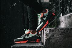Nike Air Max 90 Essential - Vapor Green   Black a2735a2e6
