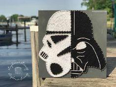 Star Wars String Art Star Wars Decor / Star Wars Art / Darth Vader Art - Star Wars Vader - Ideas of Star Wars Vader - Decoration Star Wars, Star Wars Decor, Star Wars Art, Darth Vader, Regalos Star Wars, Star Wars Crafts, Nail String Art, Nerd Crafts, String Art Patterns