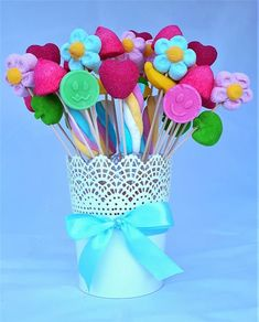 Centerpieces with sweets and candy arrangements: Candy B .- Centros de mesa con dulces y arreglos con golosinas: Candy Bar Centerpieces with sweets and candy arrangements: Candy Bar -