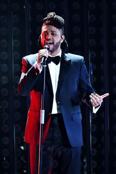 The Weeknd Captivates with Medley of His Chart-Toppers at the.: The Weeknd Captivates with Medley of His Chart-Toppers at the… Billboard Music Awards 2016, Grammy Awards 2016, Top Country Songs, Beauty Behind The Madness, Abel Makkonen, R&b Albums, Abel The Weeknd, Ludacris, The Wiz