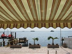 Retractable Manor Awning With Full Cassette To Complete