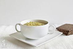 Vegetarische erwtensoep, heerlijk nu die koudere wintermaanden er weer aan komen. Lees het recept via de bron!