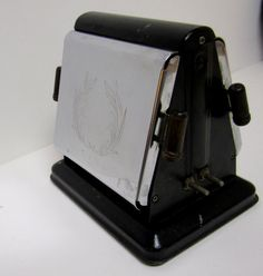 Vintage Electric Kitchen Toaster Two Slice by thebombshelter1, $29.95