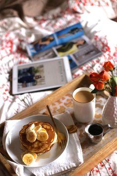 Breakfast in bed pan