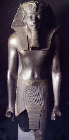 Las estatua de Tutmosis III