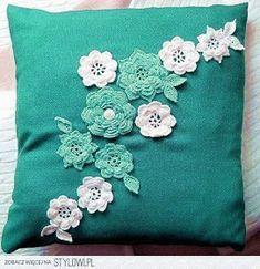 Pillow cover with crochet flower. Crochet Pillow Patterns Free, Crochet Flower Patterns, Crochet Motif, Crochet Designs, Crochet Flowers, Fabric Flowers, Crochet Cushion Cover, Crochet Cushions, Sewing Pillows