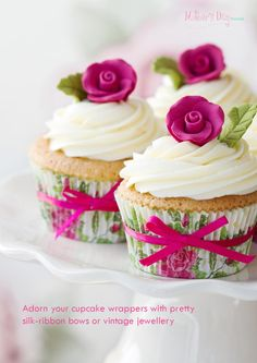 Beautiful cupcake wrapper idea.