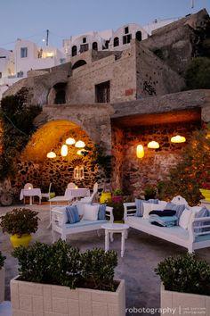 Al Fresco Dining in Santorini