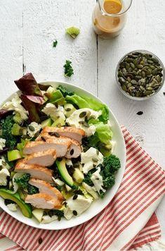 Super Green Salad with Chicken and Fresh Mozzarella Recipe from Saputo Healthy Side Dishes, Side Dishes Easy, Side Dish Recipes, Green Salad With Chicken, Chicken Salad, Grilled Chicken, Tomato Salad Recipes, Green Salad Recipes, Hummus Salad