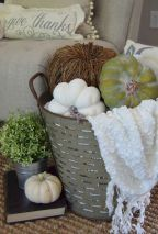 Cute & creative diy farmhouse fall decor ideas (9)