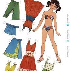 Quem lembra das bonequinhas de papel? Eu guardava a minha numa caixa de sapato embaixo da cama. Aposto que vc vai se surpreender com a terceira imagem. #mulheresmaduras #mulhermadura #mulherespoderosas #bonecadepapel #mulheresbemresolvidas #70's #mulheresdeatitude #soudominique