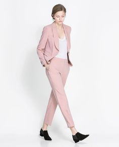 Zara 2013 new season pink trousers Pants Outfits, Pink Pants Outfit, Outfits Damen, Chic Outfits, Fashion Outfits, Pink Trousers, Cropped Trousers, Costume Rose, Outfits