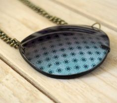 colgante original de cristales de gafas recicladas