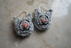 Ravelry: Purr Purr Earrings pattern by Małgorzata Machowska (free crochet pattern)