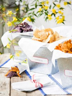 Chips served in simple galvanized containers: party- and picnic-perfect!