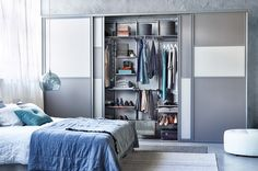 Most people do not sleep well in cluttered and messy bedrooms. And bedrooms, in particular, often present a challenge when it comes to storage. We at Elfa want to help you! Feel free to use our best tips and tricks to create your dream bedroom closet. Grand Dressing, Cupboard Wardrobe, Home Desk, Sliding Doors, Storage Solutions, Design Inspiration, Organization, Closet, House