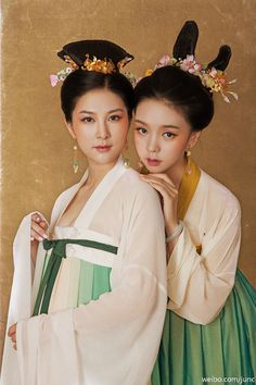 Traditional Chinese Clothing Hanfu (Ruqun) Photography by 陳俊JunC