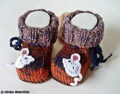 Babyschuhe Mäuse Handarbeit von strickliene von strickliene Babyschuhe und Turnschuhe auf DaWanda.com