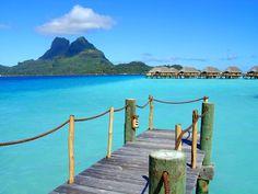 Bora Bora a wonderful honeymoon place Vacation Destinations, Vacation Trips, Dream Vacations, Vacation Places, Maldives, Bora Bora Photos, Salalah, Privacy Screen Outdoor, Marsa Alam