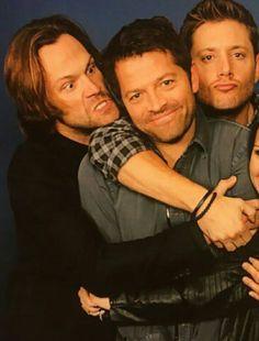 Feel the love Supernatural Fandom, Castiel, Misha Collins, Dean Winchester, Jensen Ackles, Candid, Youtubers, It Cast, Fandoms