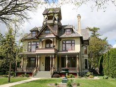 Abandoned Mansions, Abandoned Houses, Old Houses, Abandoned Places, Haunted Houses For Sale, Affordable Modern Furniture, Second Empire, Mansions For Sale, Victorian Architecture