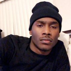 Cute Black Guys, Gorgeous Black Men, Black Boys, Beautiful Men, Fine Black Men, Fine Men, Black Women, Girl With Acne, Dark Skin Boys