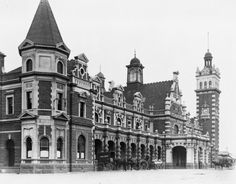 Dunedin Railway Station (architect: George A Troup), circa Photographer unidentified. Back In Time, New Zealand, Transportation, Empire, The Past, Louvre, British, Street View, Australia