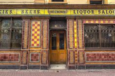 Discover Crown Liquor Saloon in Belfast, Northern Ireland: This Victorian-era public house has set the standard for pub-style elegance for over a hundred years. Victorian Homes, Victorian Era, The Crown, Liquor, Belfast Ireland, Irish Eyes, Street, Amelia, Scotland