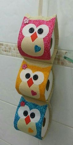 Toilet paper holder or roll holder - Give Details Owl Crafts, Diy And Crafts, Fabric Crafts, Sewing Crafts, Diy Toilet Paper Holder, Paper Holders, Craft Projects, Sewing Projects, Bathroom Crafts