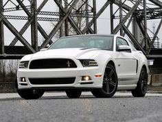 Ford Mustang GT (2013)