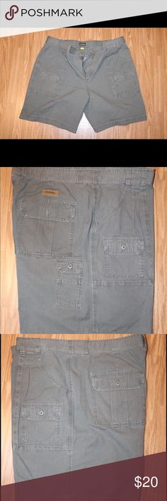 Cabela's Men's Shorts Size 44 Cabela's Men's Shorts Size 44 - Excellent condition, dry cleaned only cabela's Shorts Cargo