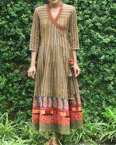 Black And Mustard Yellow Striped Angrakha LARP costume inspiration Dress Neck Designs, Kurti Neck Designs, Kurta Designs Women, Indian Fashion Designers, Indian Designer Wear, Indian Dresses, Indian Outfits, Boho Outfits, Fashion Outfits