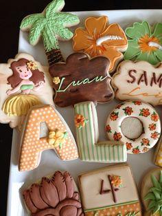 Incredible cookies at a Hawaiian Luau Birthday Party! See more party ideas at… Aloha Party, Hawaiian Luau Party, Hawaiian Birthday, Hawaiian Theme, Luau Birthday, Tropical Party, Birthday Parties, Hawaiian Cupcakes, Hawaiian Baby