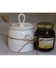 Conjunto Mel e Potinho com Colher #macmel #presentes #mel #colmeias Bee Gifts, Home Decor, Hives Causes, Honey, Jars, Gifts, Xmas, Decoration Home, Room Decor