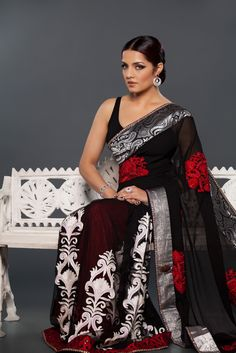 Who says cottons can't be fun... wear your cotton saree like Celina Jaitly and start a new trend ., #celina #celinajaitly #bollywood #stunning #Saree