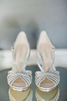 Zapatos plateados para impresionar!!! http://www.miboda.tips/