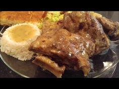 Tater Tot Breakfast, Breakfast Buffet, Eat Breakfast, Neckbones And Gravy Recipe, How To Cook Asparagus, How To Cook Pasta, Neckbone Recipe, Pork Neck Bones Recipe, Confort Food