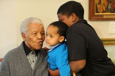 Nelson Madela at 94 old with grand kids