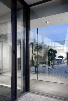 Gallery of Aseptic Office and Lab / AUM architecture - 11