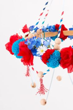 Make of July decorations! There was a day in our history when people actually spent time on Fourth of July decorating. Here are some excellent ideas to get you started with your patriotic decorations, and they take hardly any time at all! Fourth Of July Food, 4th Of July Party, July 4th, July Holidays, Crafts For Kids, Diy Crafts, Barbie Birthday, 4th Of July Decorations, Favorite Holiday